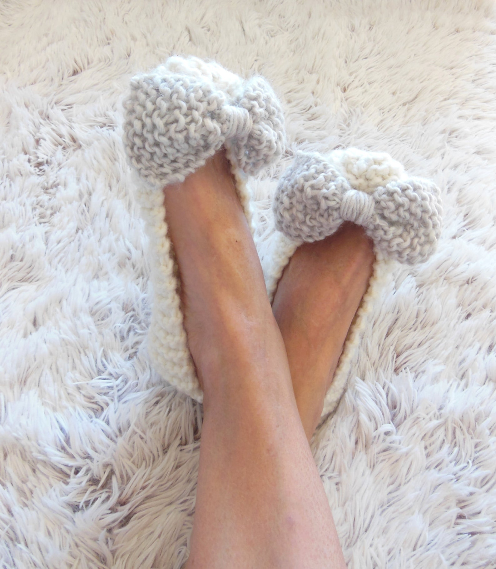 white slippers, handmade slippers, women slippers, non-slip slippers, ballet flats, bow slippers, wedding slippers, gift wrapped