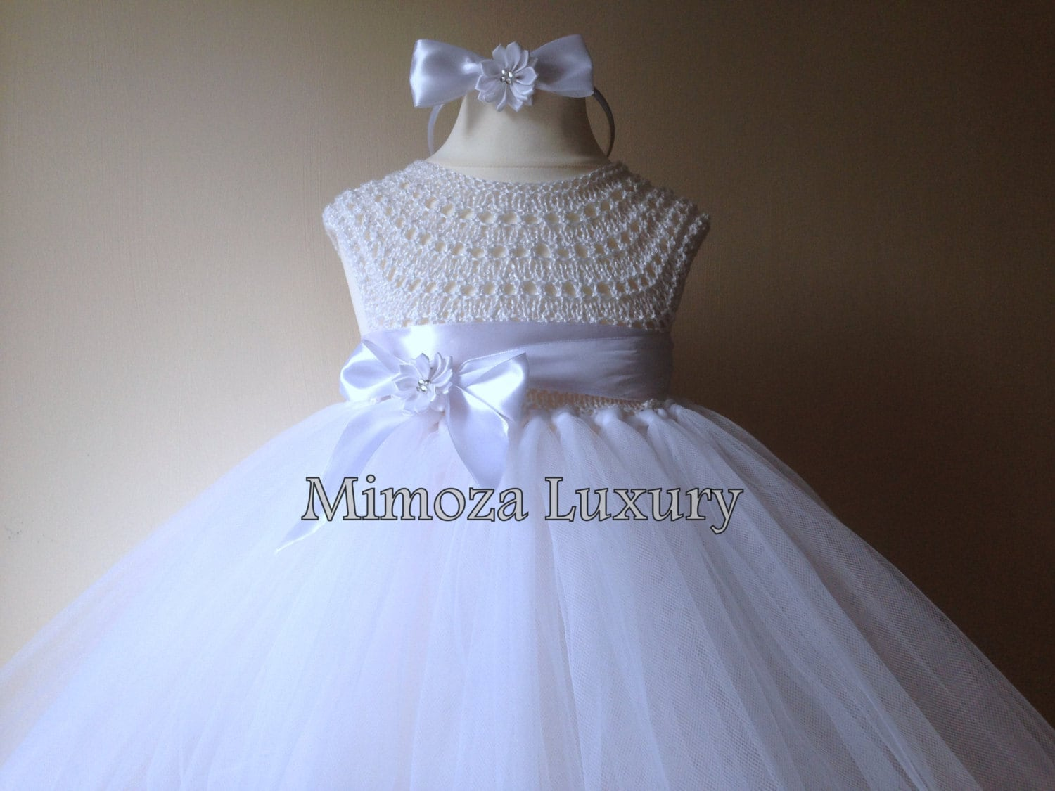 92c21cdc3b9 ... White Flower girl dress