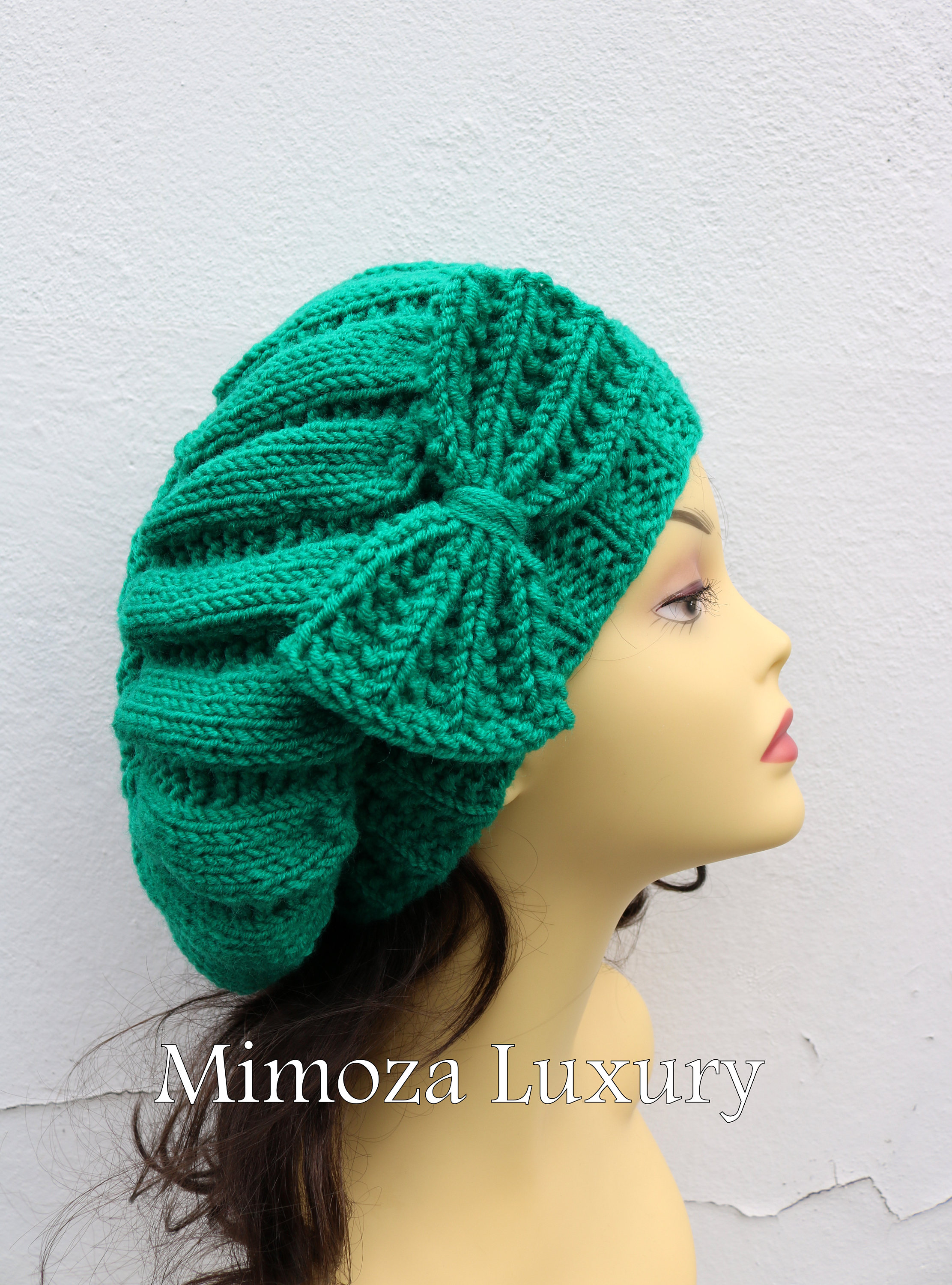 776faa7874b Emerald Green Woman Hand Knitted Hat with Bow