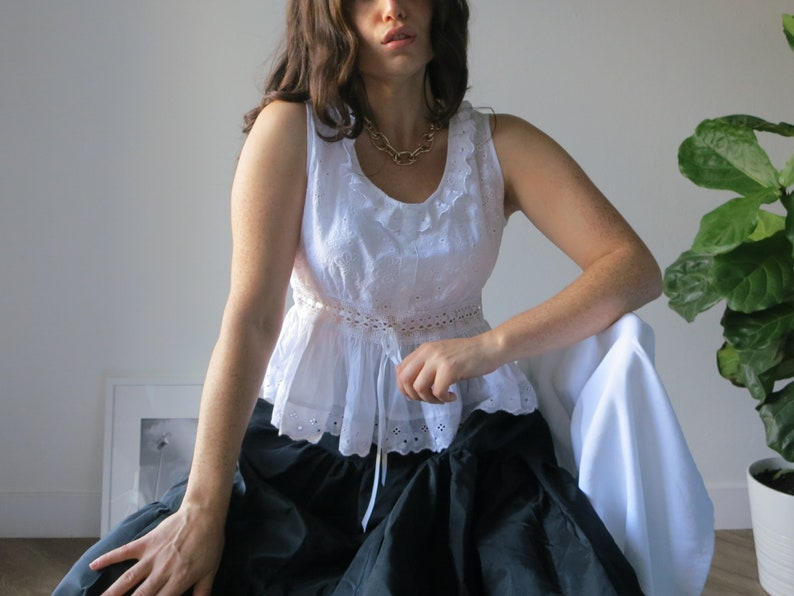 minimalist vintage size small peplum waist White Cotton Eyelet Blouse romantic medium