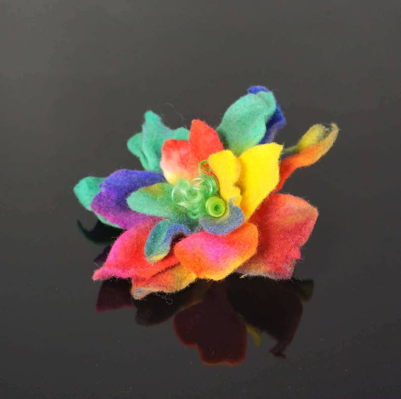 Feltmondo felted flower Flower brooch felted brooch
