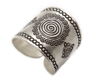 Sterling Silver,Boho Wide Band Ring,with Spirals and Oxidized Engraving Handmade Rustic,Women or Men adjustable Cuff Ring,Thumb ring