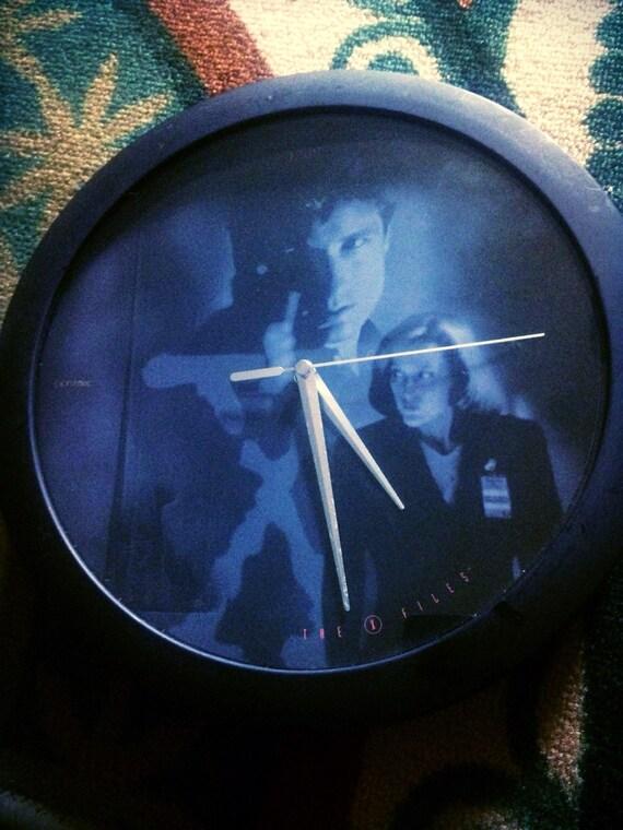 X Files Clock Mulder And Skully Gifts For Nerds Sci Fi Boyfriend Birthday Gift 1990s Vintage Dana Fox