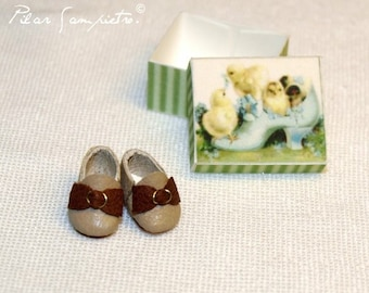 Miniature Handmade two colours Baby shoes in leather