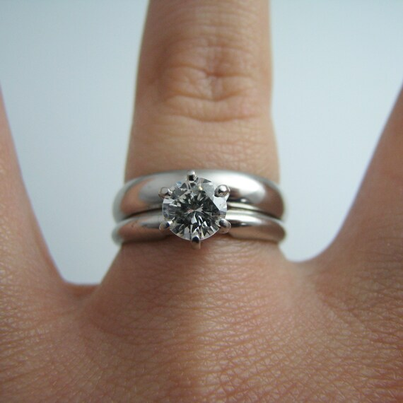 d862 Simple Platinum Diamond Wedding Ring Set