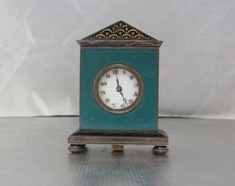 Vintage Green Enamel Mini Clock