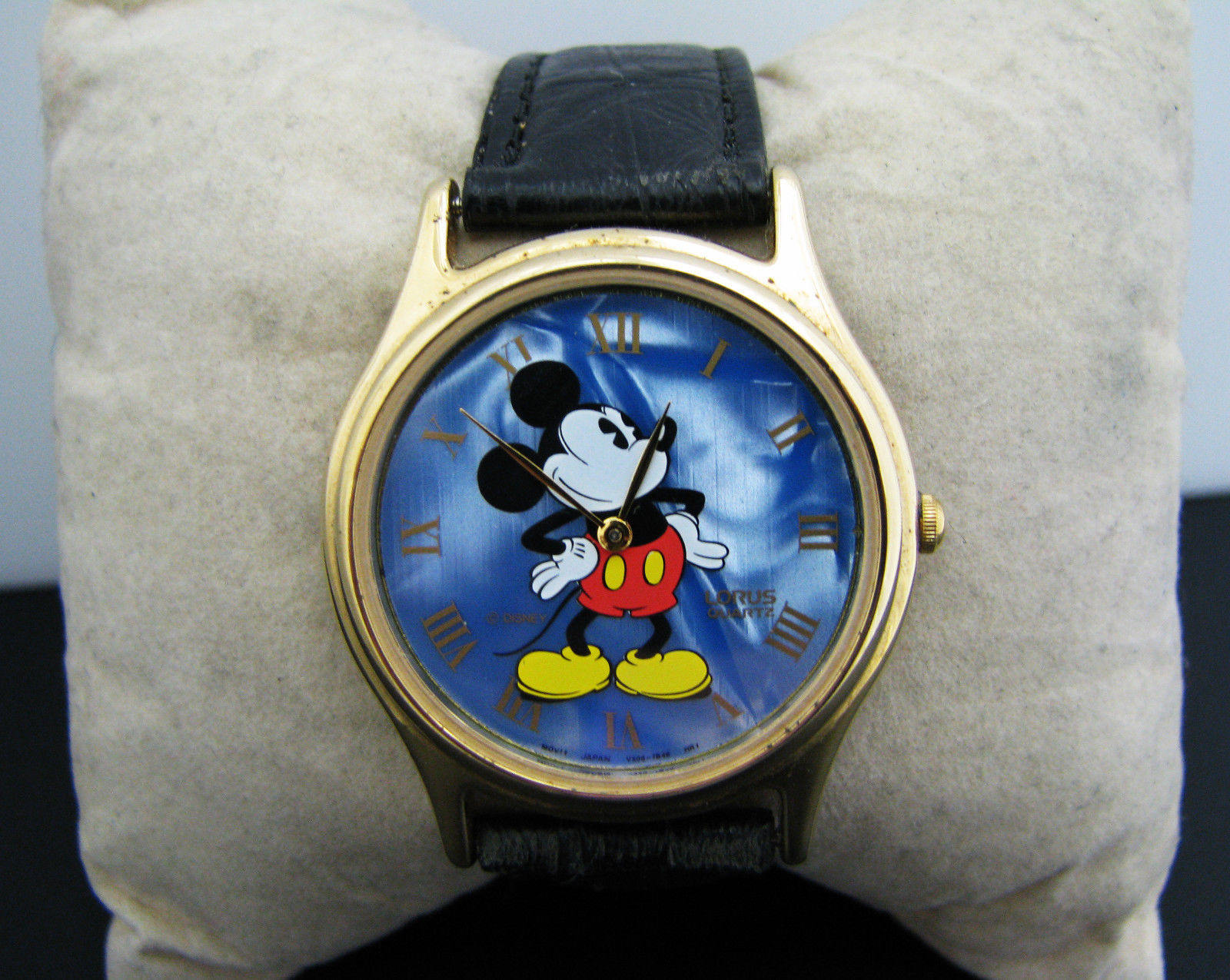 Mickey Mouse Watch Value >> C141 Vintage Quartz Lorus Mickey Mouse Watch With Blue Dial Etsy