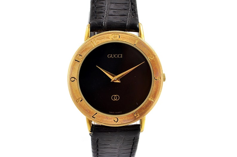 ae2d4346592 Vintage Gucci 3300.2.M Gold Plated Quartz Midsize Watch 1567