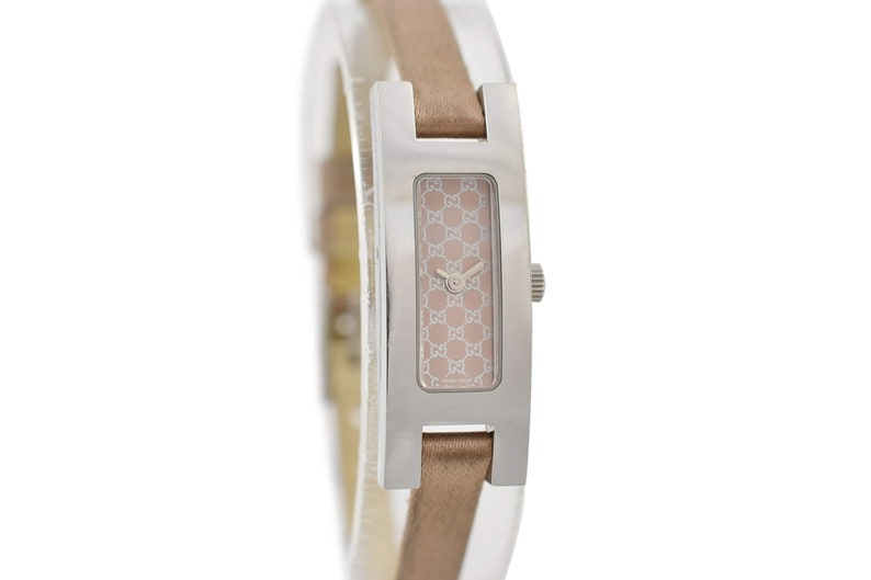 3604691ae40 Vintage Gucci 3900L Stainless Steel Quartz Petite Ladies Watch