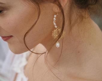 Gold Bridal Earrings, Laurel Earrings, Leaf and Pearls Earrings, Gold Bridal Jewelry, Bridal Shower Gift, Delicate Earrings, Laurel Jewelry