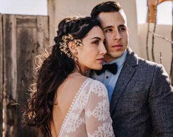 Ear Cuff, Wedding Earcuff, Gold Jewelry, Earrings, Bridal Accessories, Bridal Shower Gift, Bold Bride, Gold Jewelry, Flower ear hug,