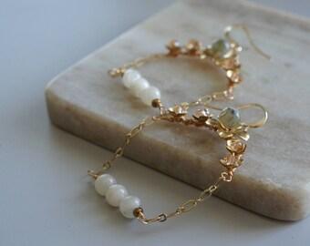 Moonstone Earrings, Flower earrings, Everyday fancy jewelry, Boho Accessories, Edgy, Gold Wedding Jewelry, Bridal Jewelry, Bride,Labradorite
