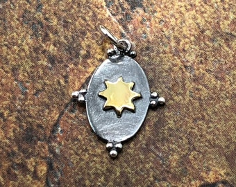 A1475 Silver Sun Charm Findings 44x32x0.80mm 4 Antique Silver Plated Brass Sunshine Pendants With 1 Loop
