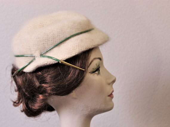 Vintage 40's 50s Ivory Angora fur Hand Crocheted W