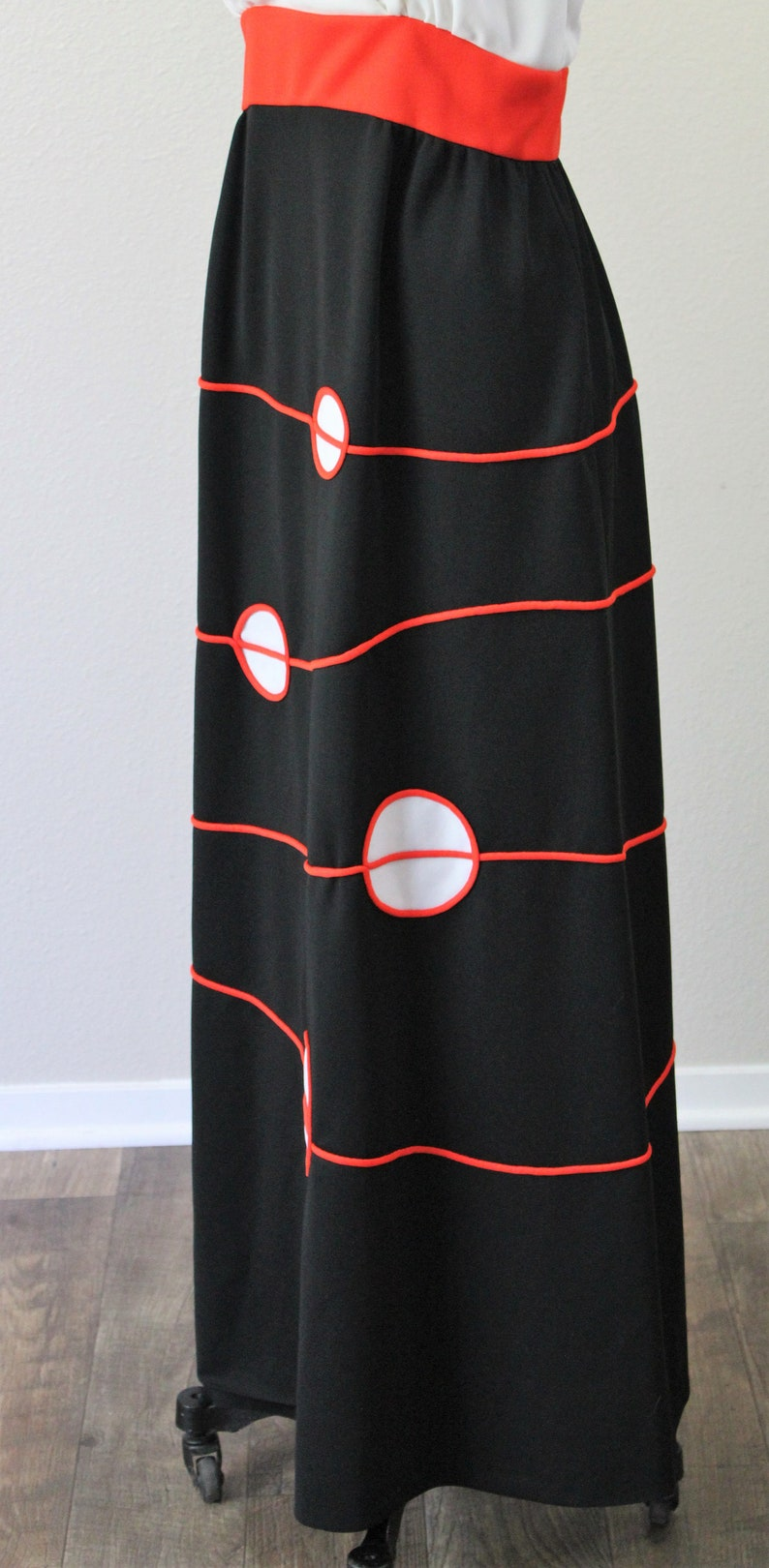 Vintage 1960s 60s Mod Geometric Red white black atomic circles linear lines empire maxi dress op art  modern small  US 4 6