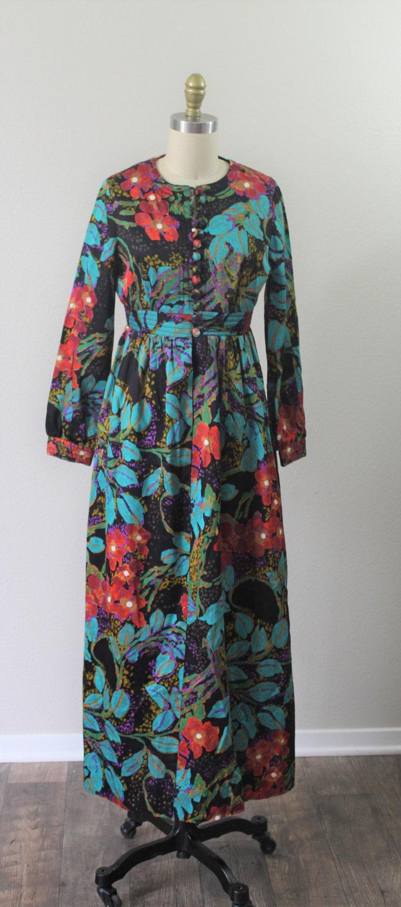 Vintage 1960s 70s Alice of California Colorful print caftan maxi Dress  US 2 4 6