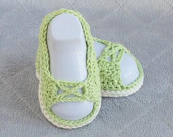 Crochet Girl Shoes, Baby Girl Shoes, Green Girl Shoes, Girl Booties, Girl Sandals, Baby Sandals, Baby Shower Gift, Photo Prop, Girl Shoes