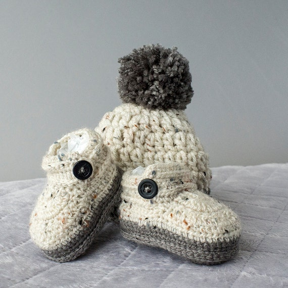 ac65586466c Baby Boy Set Crochet Baby Boy Hat and Booties Set Pom-pom