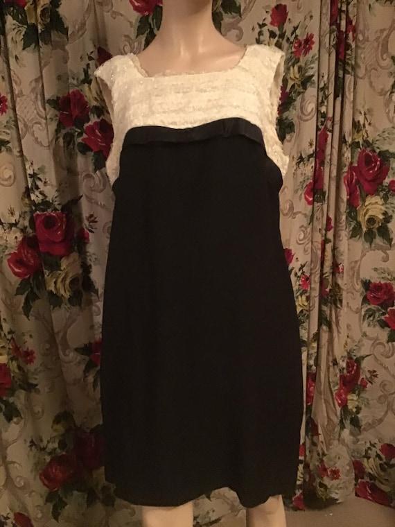 Mod two toned shift dress