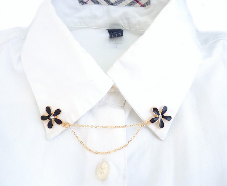 cardigan clip floral collar clips classic Flower collar pin gift for mom rhinestones simple enamel lapel pin women/'s accessories