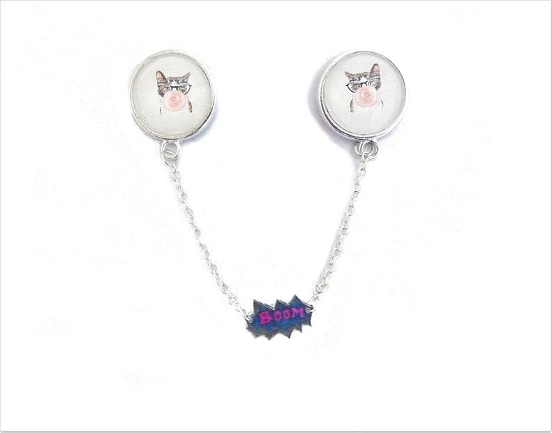 sweater clips collar brooch lapel pin cartoon comics tips Bubble gum cat collar pin with chain pop culture boom pop art funny cat