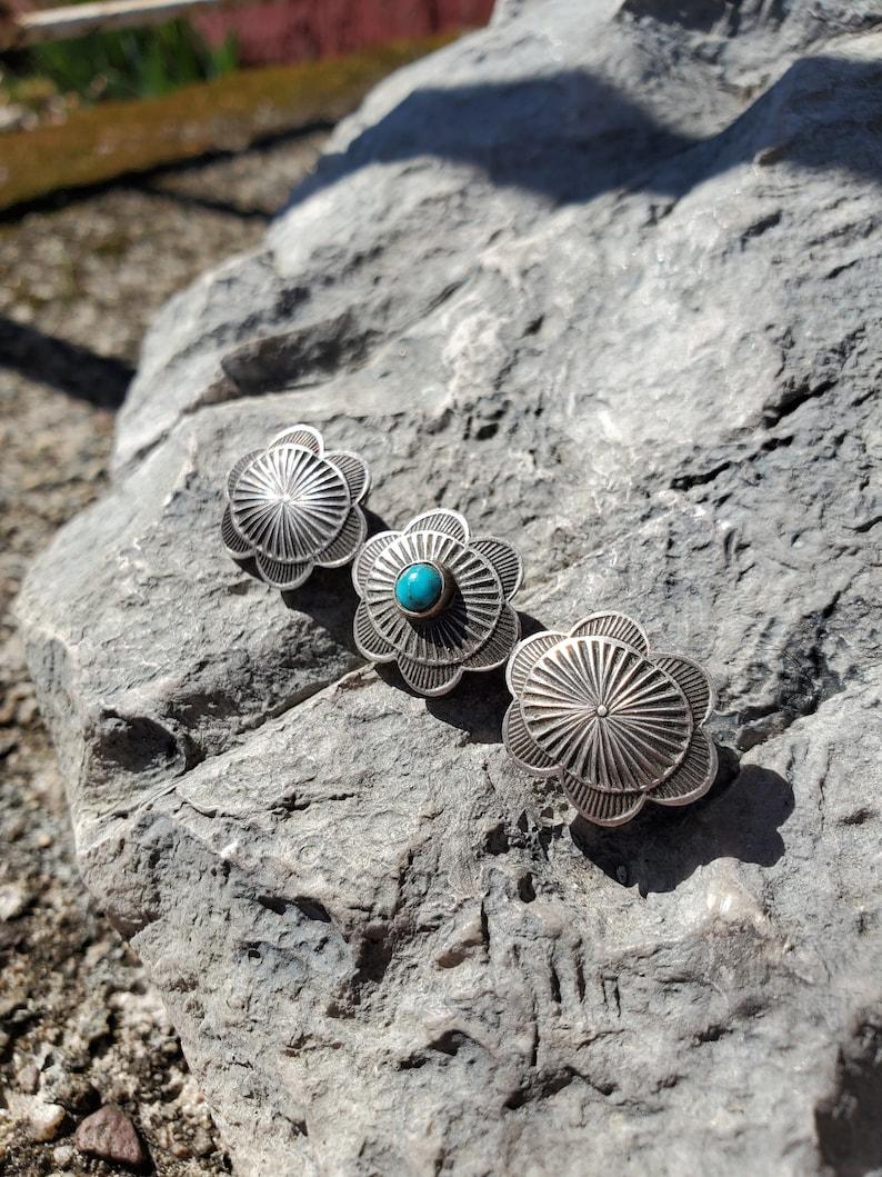 Vintage Navajo Turquoise Concha Pin