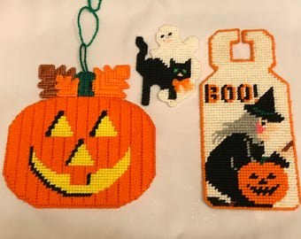 Lot of three needlepoint needlework Halloween decorations door hanger magnet pumpkin JOL witch black cat