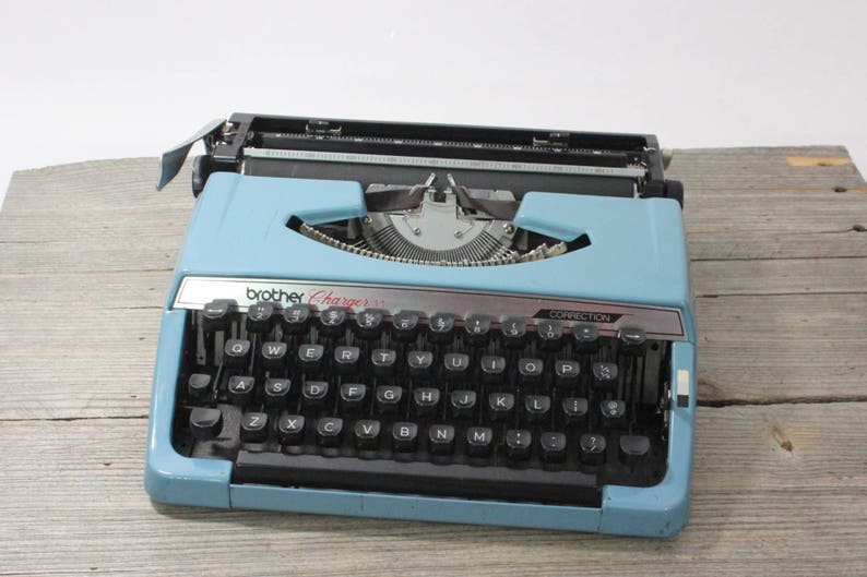 Brother Charger 11 portable typewriter, blue  Made in Nagoya, Japan   Typewriter // portable // vintage typewriter // Remington // Charger 11