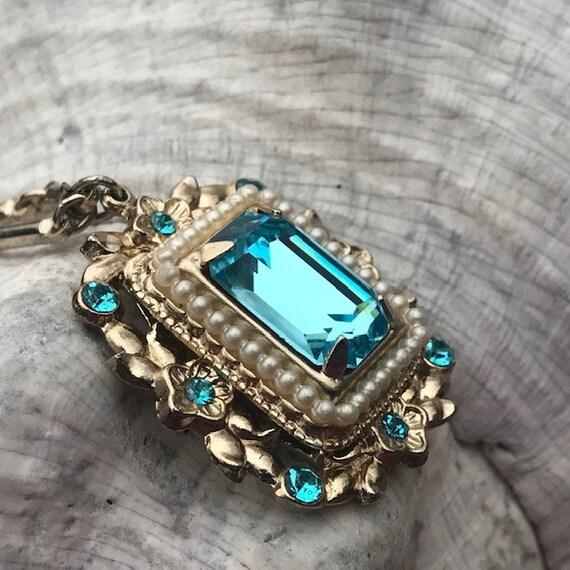 Vintage Coro Pearl and Light Blue Rhinestone Neck… - image 7
