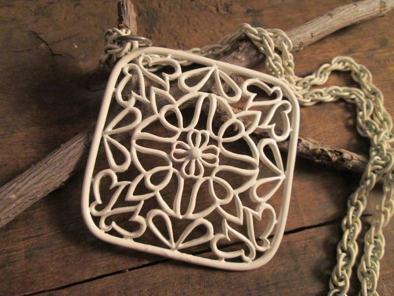 Vintage J.J White Enamel Filigree Floral Pendant Necklace