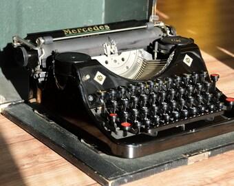 Working Typewriter - Mercedes Prima - Shiny Black Typewriter - Fully Serviced -  Working Perfectly