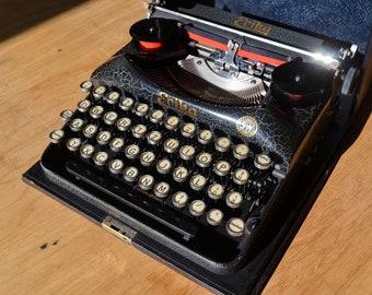 Extremely Rare Typewriter - Crackled Black Typewriter - Erika 5 - Working Perfectly