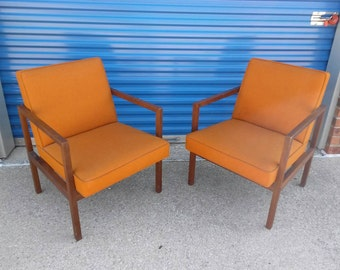 Pair Of Orange Mid Century Chairs By The Stowe U0026 Davis Furniture Company  Vintage Office Or Living Room Retro