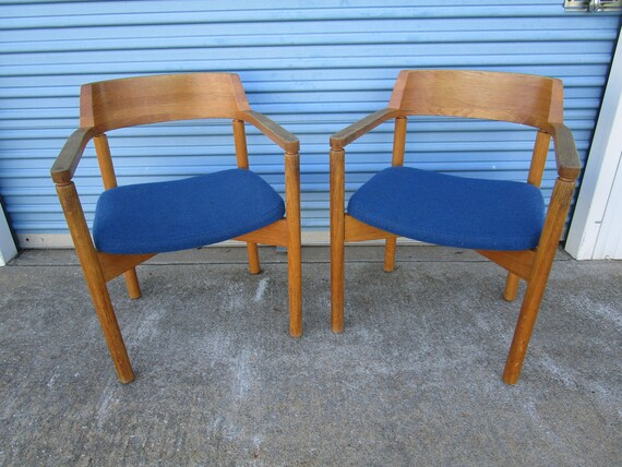 Amazing Pair Of Mid Century Gunlocke Walnut Lounge Office Chairs Pabps2019 Chair Design Images Pabps2019Com