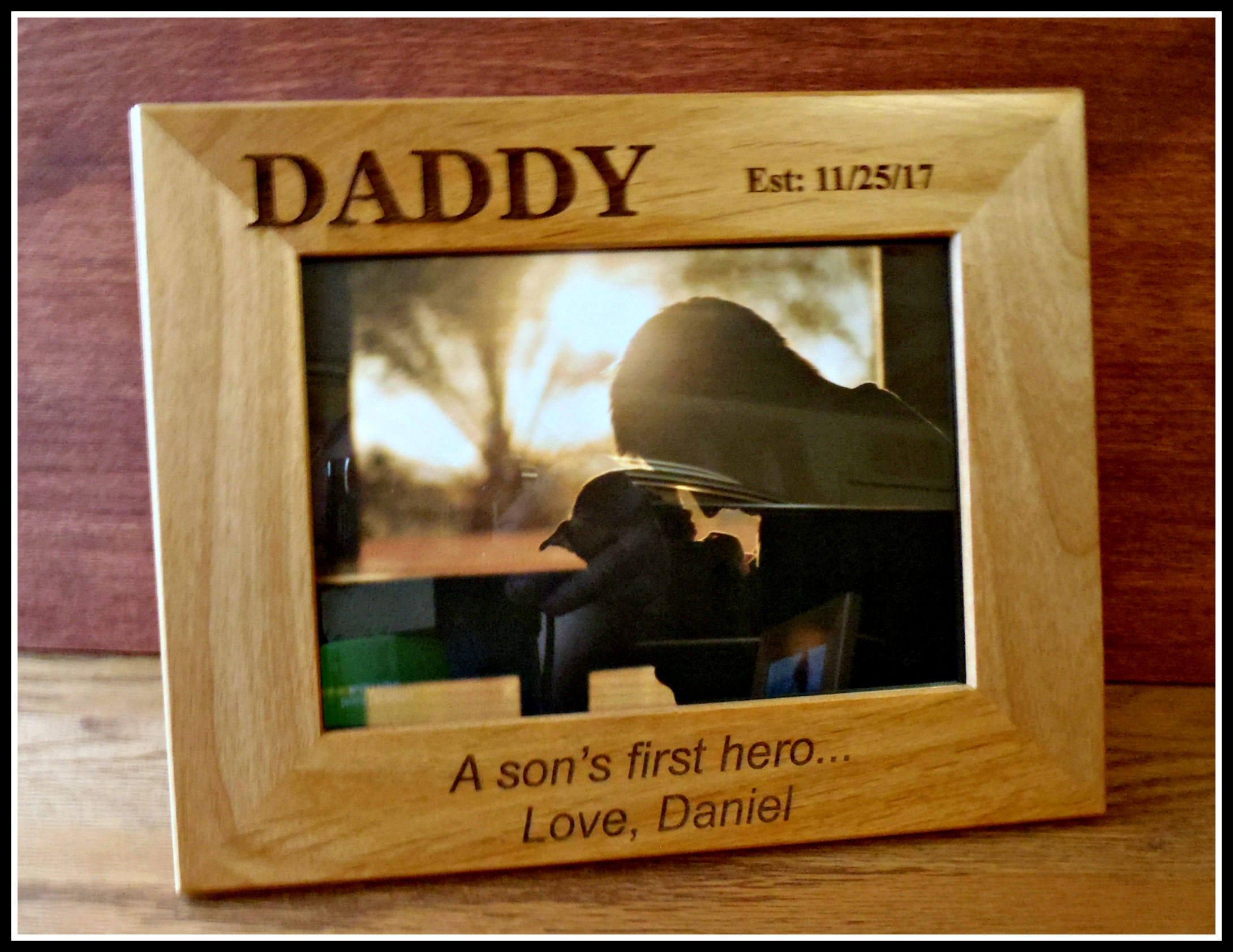 cadre photo de f te des p res papa personnalis premier h ros etsy. Black Bedroom Furniture Sets. Home Design Ideas
