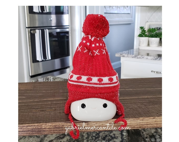 Red Knit Hats for Marshmallow Mugs.