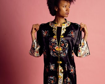 Silk Robe - Vintage, Kimono, 1950s, Embroidered, Asian, Chinese, Loungewear