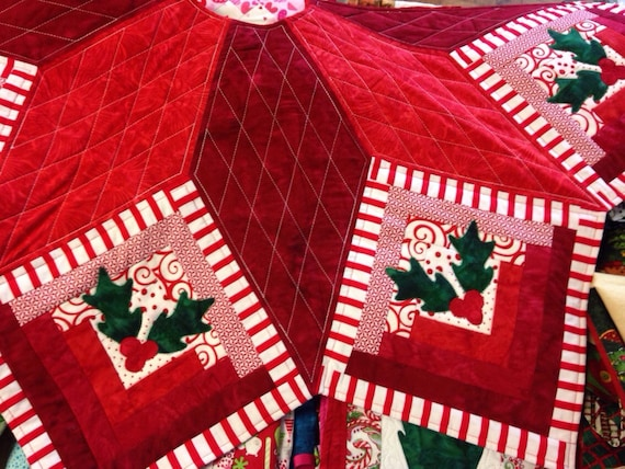 Log Cabin Christmas Tree Quilt.Log Cabin Star Quilted Christmas Tree Skirt