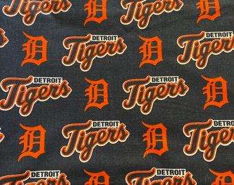Detroit Tigers cotton fabric. MLB Detriot Tigers cotton fabric. Cotton fabric. Face mask fabric.