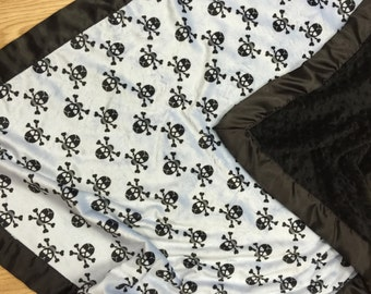 Minky, Skull baby blanket, with black minky dot