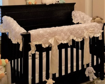 Crib, Teething, Rail Guard. Rosette. Scalloped.
