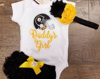Infant gift set. Baby girl onesie. Pittsburgh Steelers Onesie. Steelers baby girl.