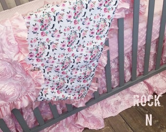 Unicorn baby bedding. Unicorn nursery. Unicorn Crib set. Baby girl nursery. Pink baby bedding.
