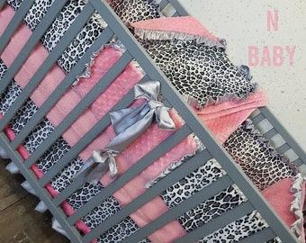 Leopard baby bedding. Cheetah baby bedding. Leopard crib bedding. Leopard crib bedding. Baby girl nursery decor. Snow leopard baby bedding.