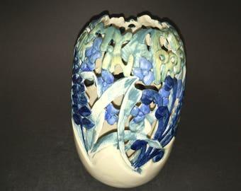 Vase  (Inverted)