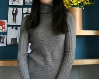 evie sweater-sample sale (size Small)