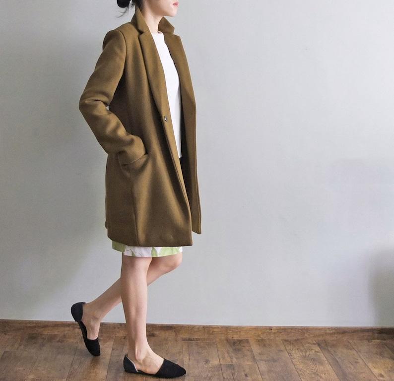 Khaki green tailor-fit minimalist wool coat image 0