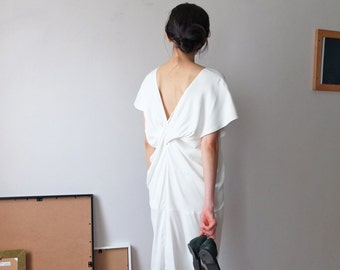 Tencel v-neck dress with back twist detailing