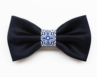 Bow tie night blue and majolica pattern,elegant bow tie for groom 2020 ceremony,bowtie groomsmen gift idea,Sicilian style,Summer wedding