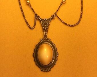 Art Deco Vintage Czech Glass Pendant Necklace